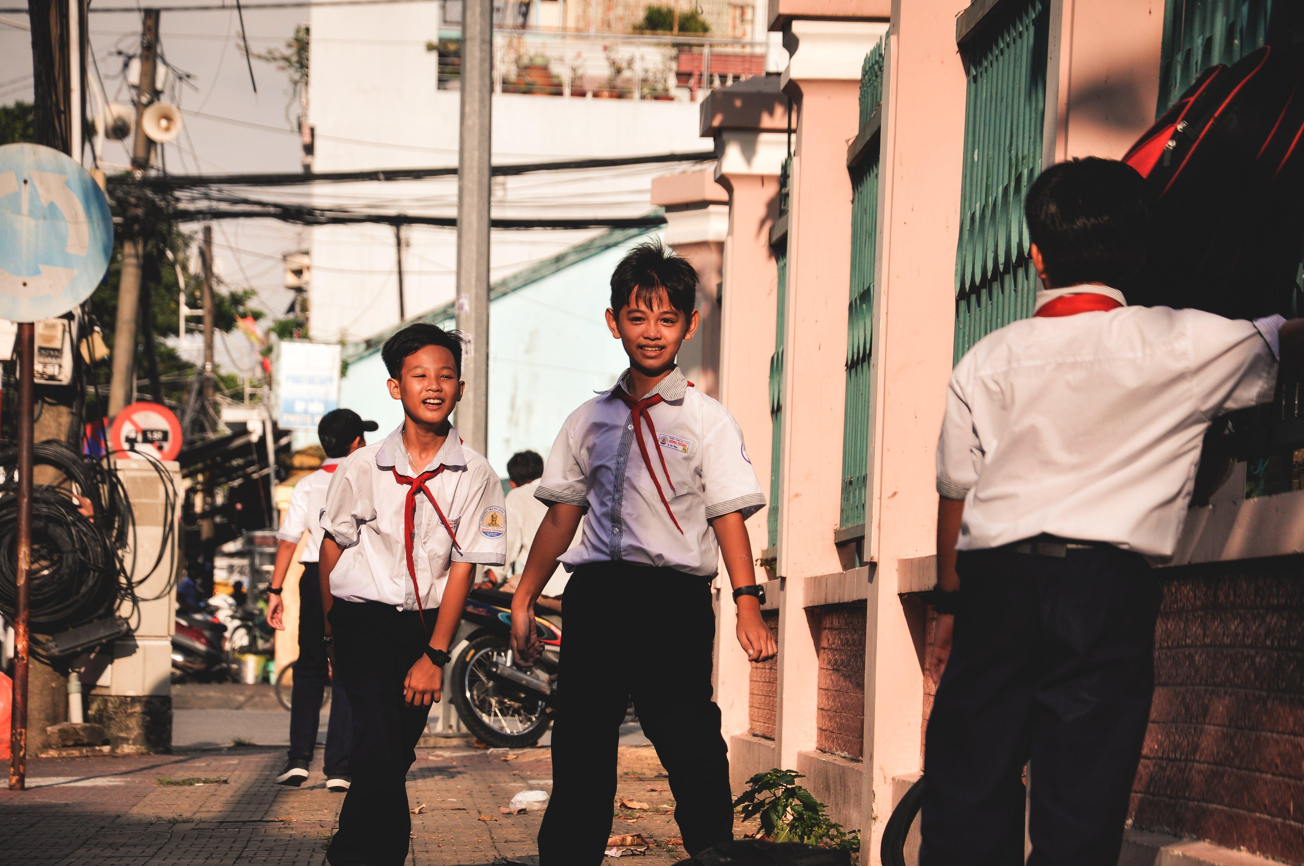Kostnadsfri bild av barn, gata, människor, pojkar