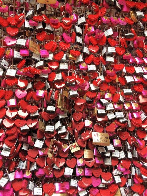 Foto profissional grátis de brilhante, cadeados, cadeados de amor, close