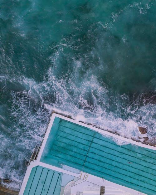 Fotobanka sbezplatnými fotkami na tému Austrália, bazén, fotografia zdronu, kývať