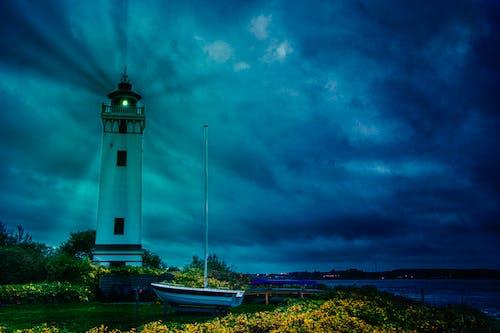 Gratis lagerfoto af fyrtårn, lyser op om natten