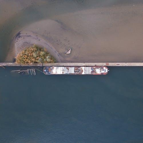 Ilmainen kuvapankkikuva tunnisteilla droonimateriaali, hiekka, laiva, liikennejärjestelmä