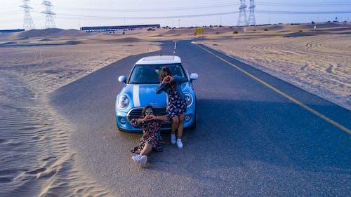 Mini Cooper, 交通系統, 人, 女性 的 免費圖庫相片