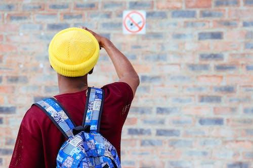 Ingyenes stockfotó férfi hátsó csomaggal témában
