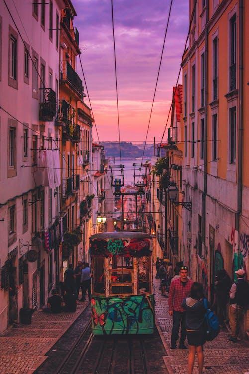 Fotos de stock gratuitas de amanecer, arquitectura, calle, carretera