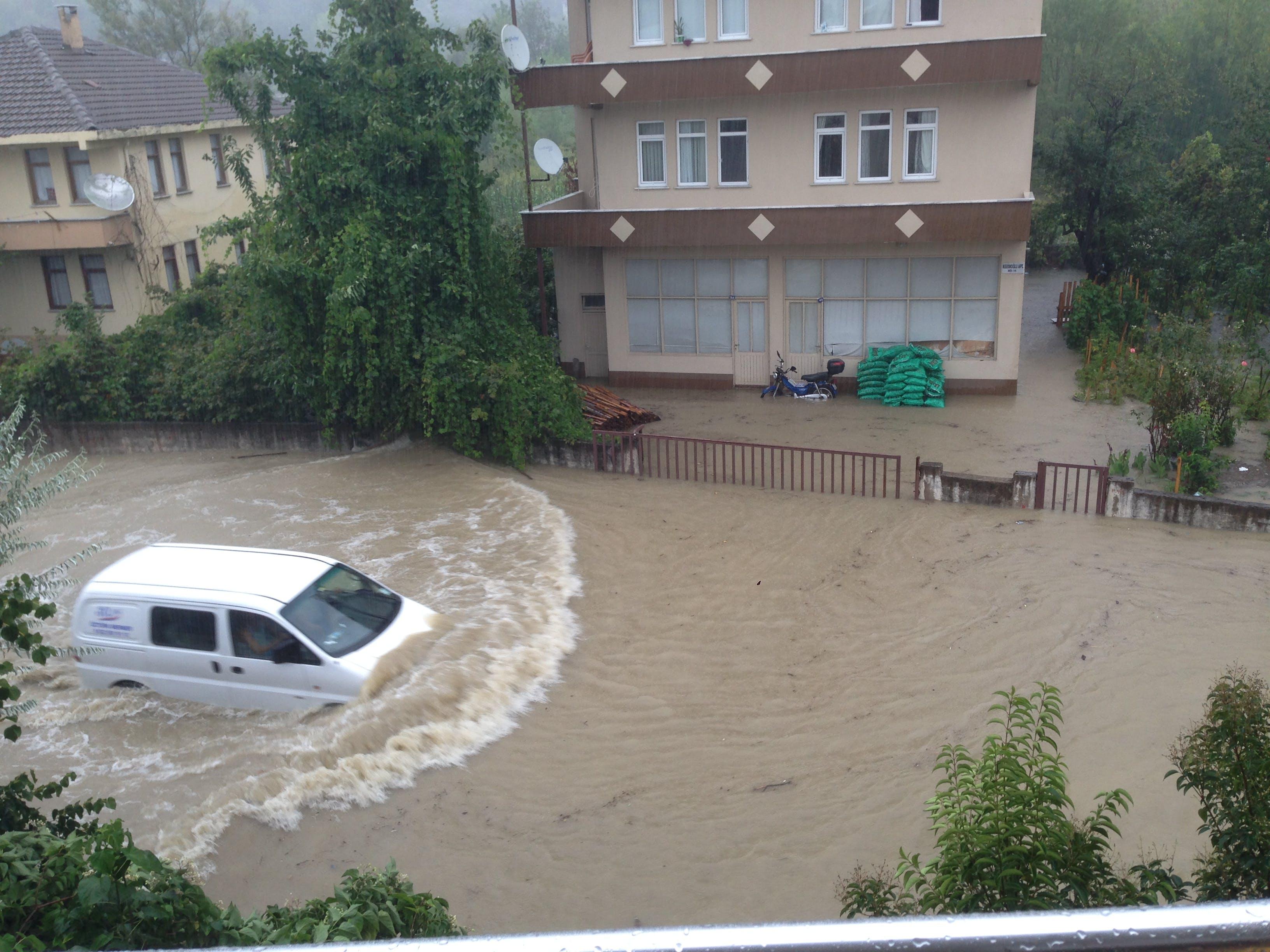 Free stock photo of cide, flood, van