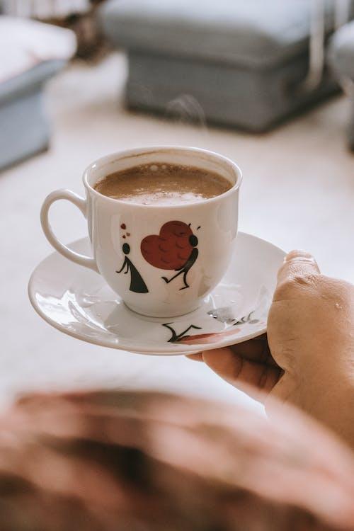 人, 卡布奇諾, 咖啡