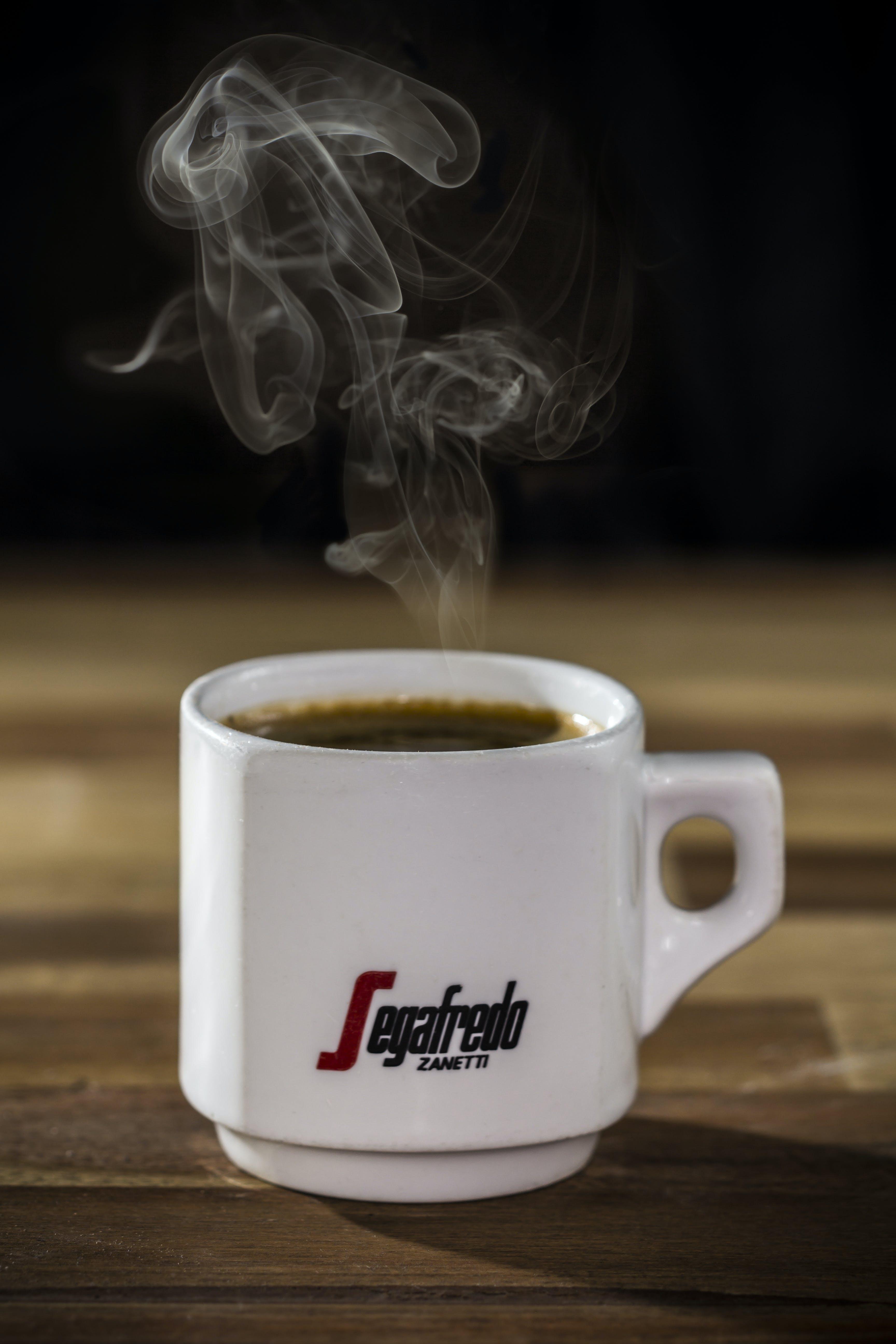 Fotos de stock gratuitas de atractivo, beber, café, cafeína