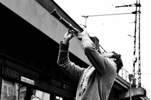 Kostenloses Stock Foto zu gitarre, liveauftritt, mann, musik