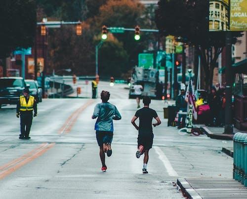 Δωρεάν στοκ φωτογραφιών με αθλητές, άνδρες, Άνθρωποι, δρόμος