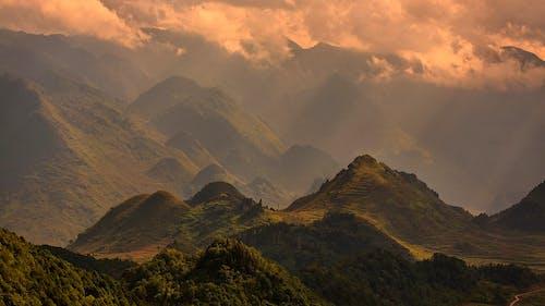 Gratis stockfoto met berg, dageraad, daglicht, dongvan