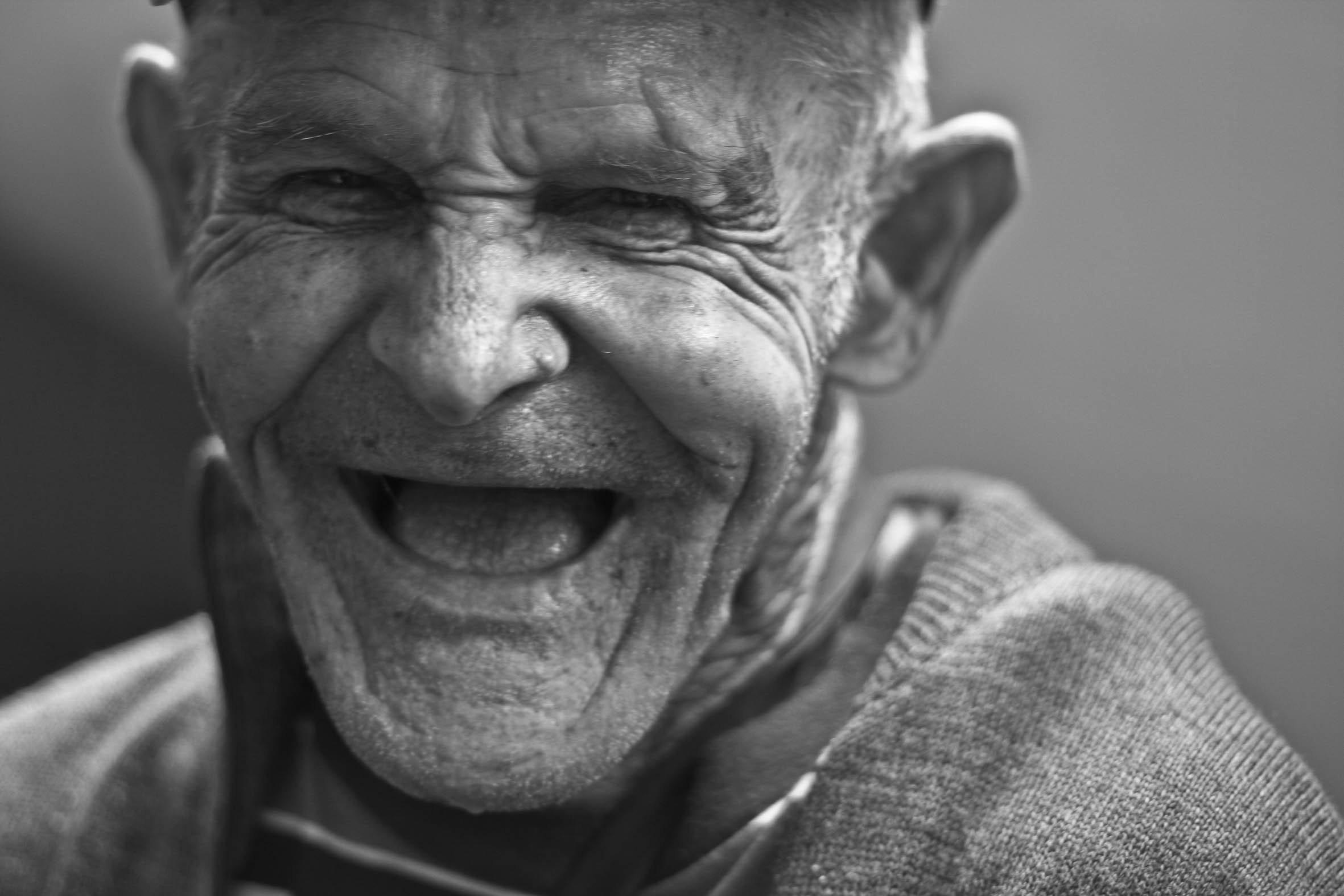 Old nacked man