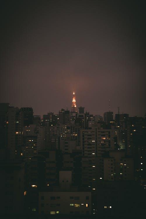 Foto d'estoc gratuïta de alba, arquitectura, cel, centre de la ciutat