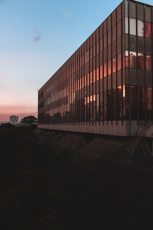 Gratis stockfoto met architectueel design, architectuur, buitenkant van het gebouw, designen