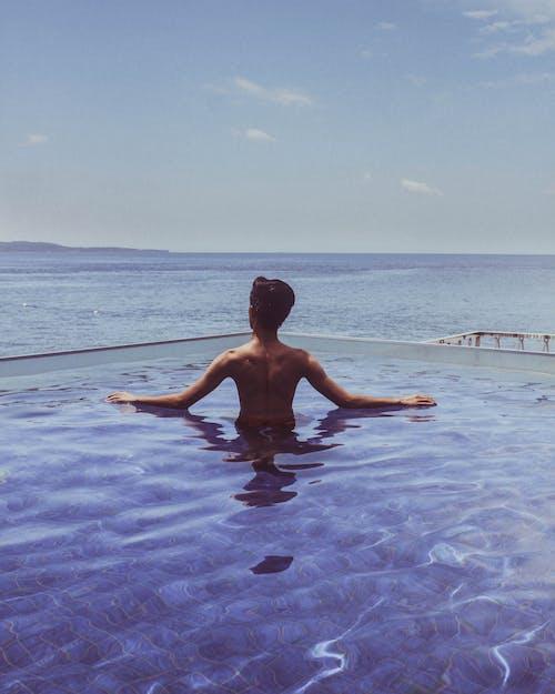 Foto stok gratis air, cairan, kolam renang, laki-laki