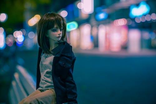 Kostenloses Stock Foto zu doll, night life, street photography