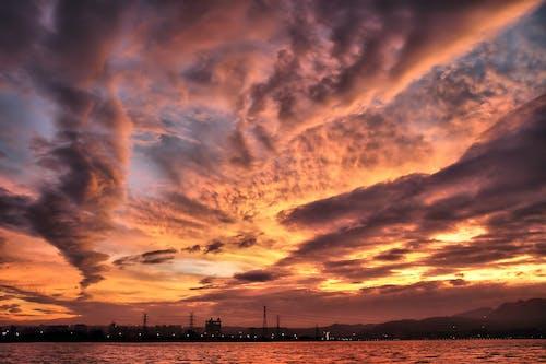 Základová fotografie zdarma na téma dramatický, moře, rozbřesk, svítání
