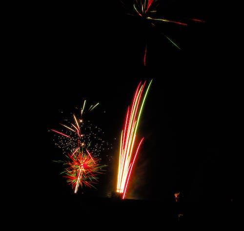 Foto profissional grátis de cores, fogo de artifício, noite, silvester