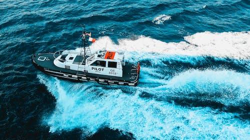 Foto profissional grátis de água, ao ar livre, barco, bote