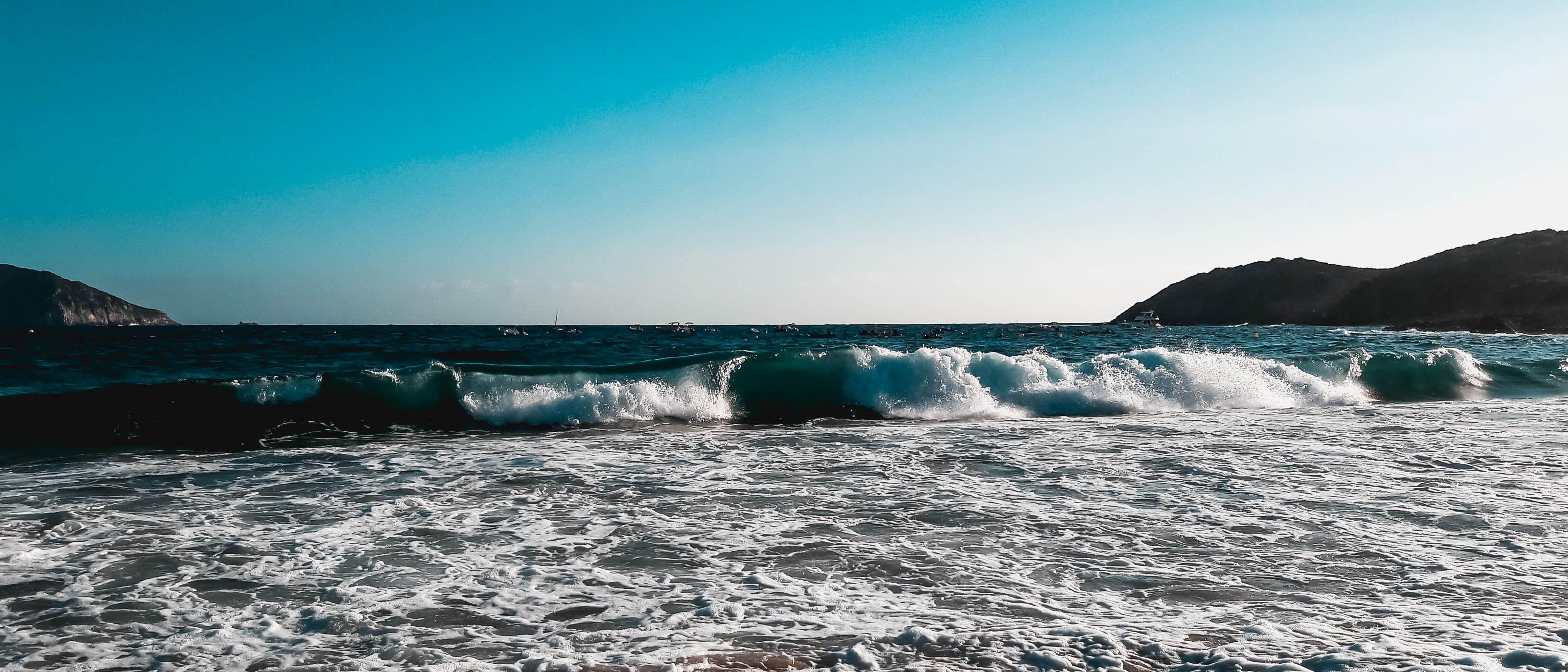 Gratis arkivbilde med brytende bølger, bølger, himmel, korsika