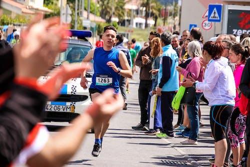 Gratis stockfoto met actie, atletiek, beweging, dragrace. race recht stuk