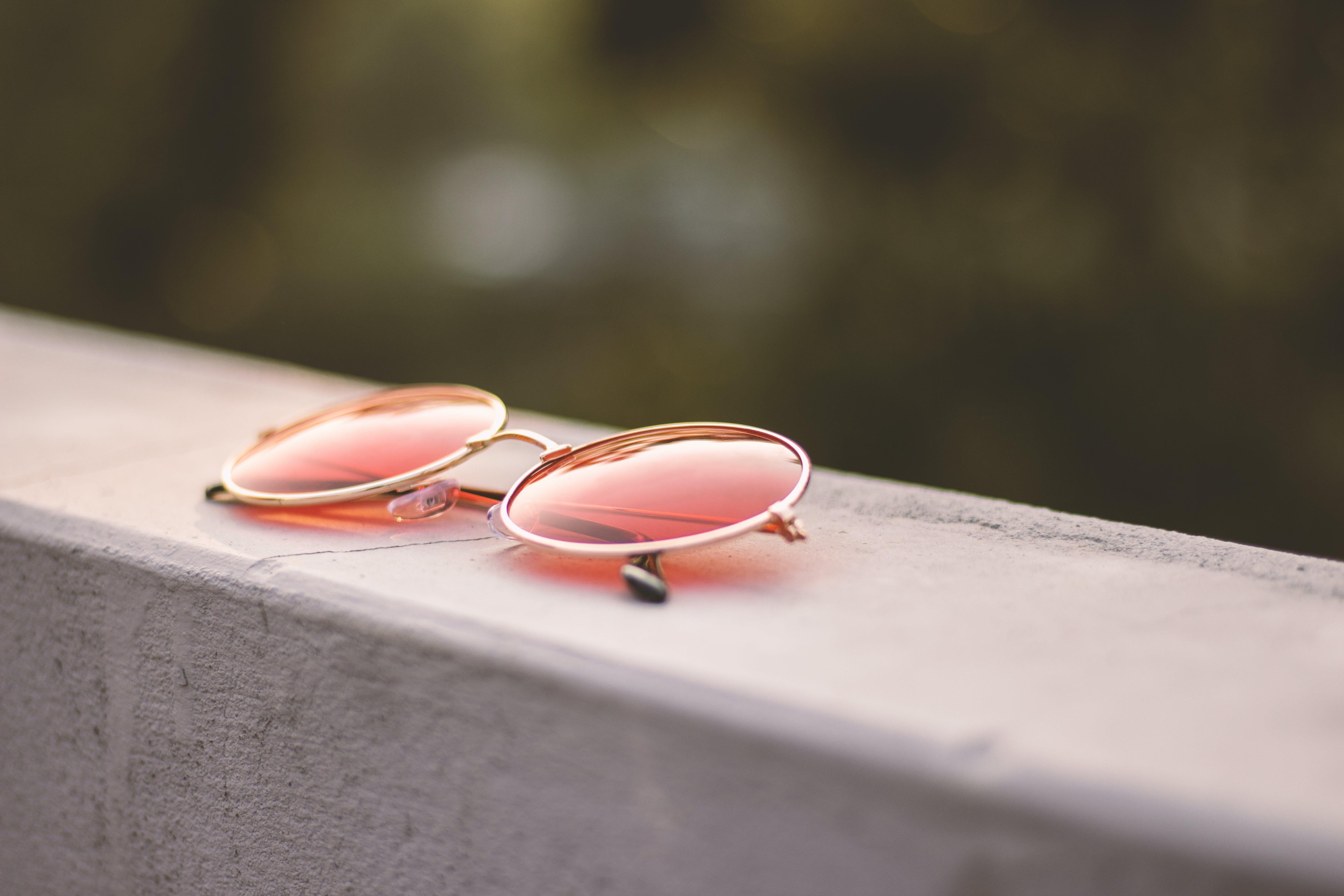 Gratis lagerfoto af beton, close-up, farve, farverige solbriller
