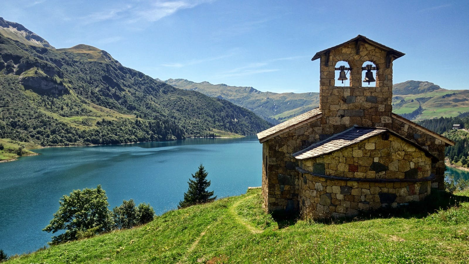 丘, 山, 建物, 建築の無料の写真素材