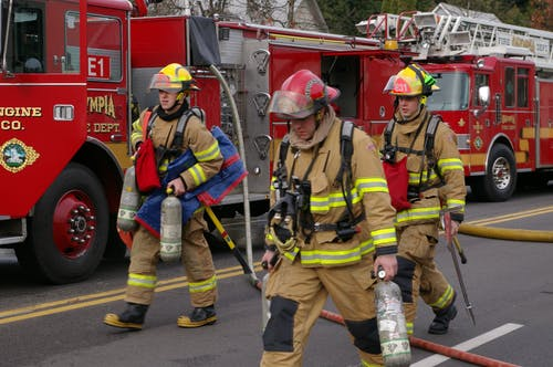 Imagine de stoc gratuită din pompier roșu motor de incendiu