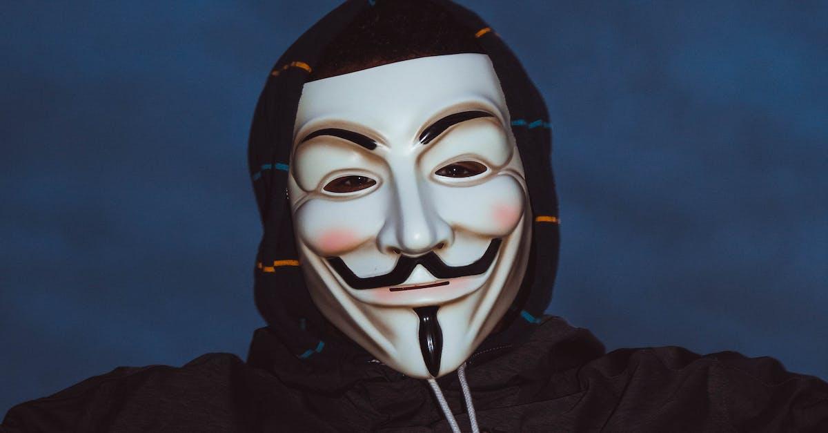 картинки с людьми в масках сегодня искренне