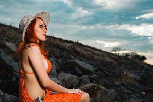 Foto d'estoc gratuïta de adult, bikini, bonic, concentrar-se
