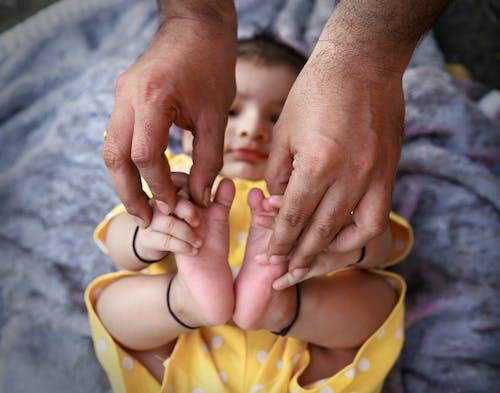 Ilmainen kuvapankkikuva tunnisteilla isi, lupaus, rakkaus, vauva