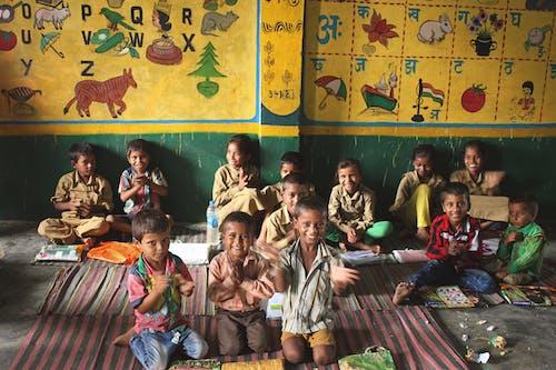 Fotobanka sbezplatnými fotkami na tému deti, iný, škola, spisy