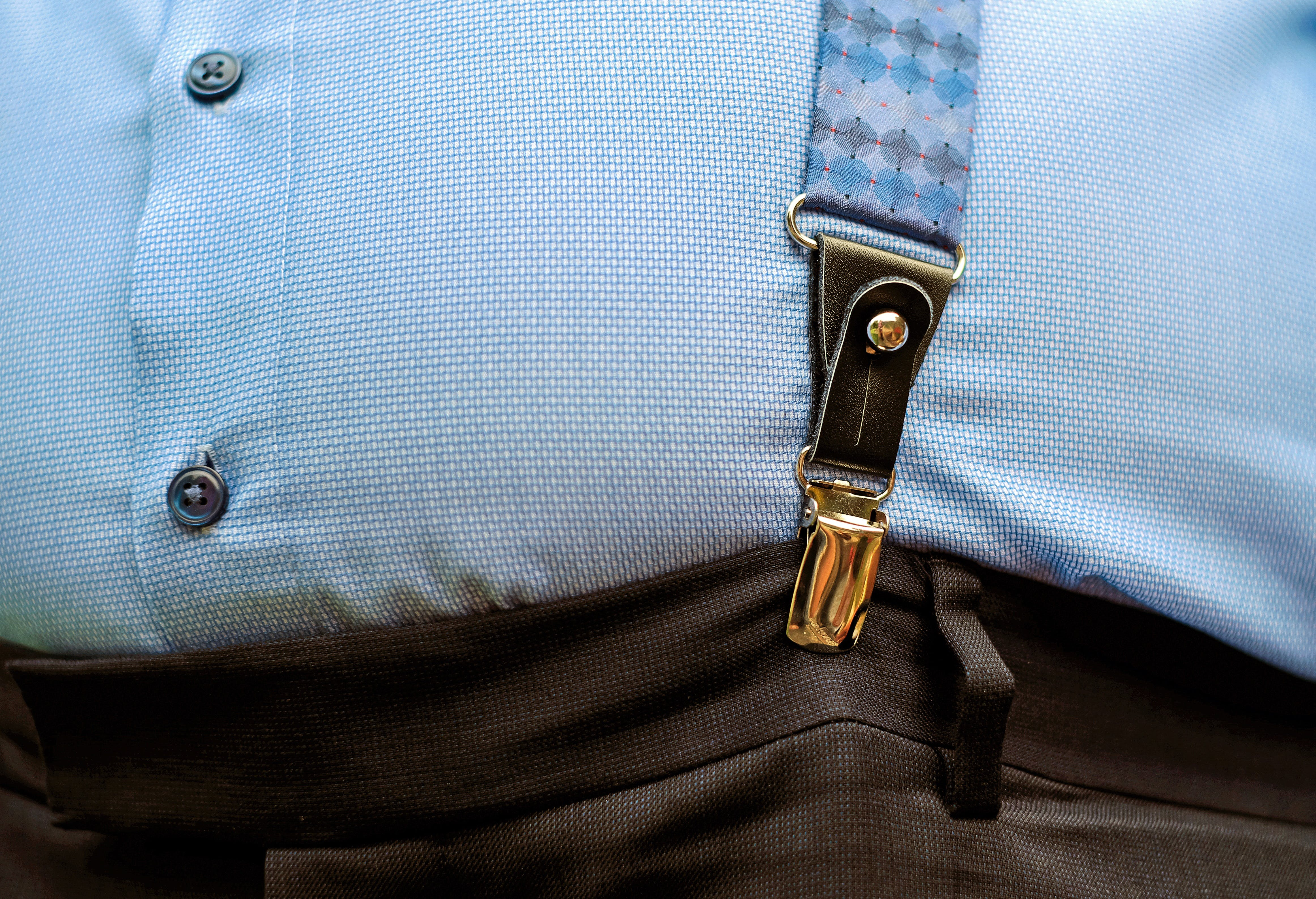 Foto profissional grátis de algodão, botões, brilhante, calça