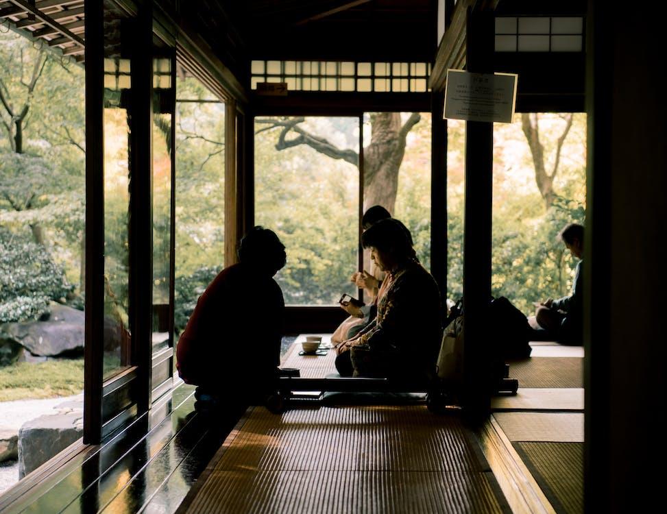 asien: menschen, bäume, drinnen