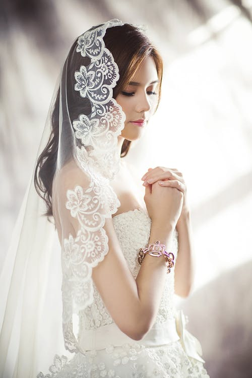 1000 Interesting Wedding Dress Photos Pexels Free Stock Photos