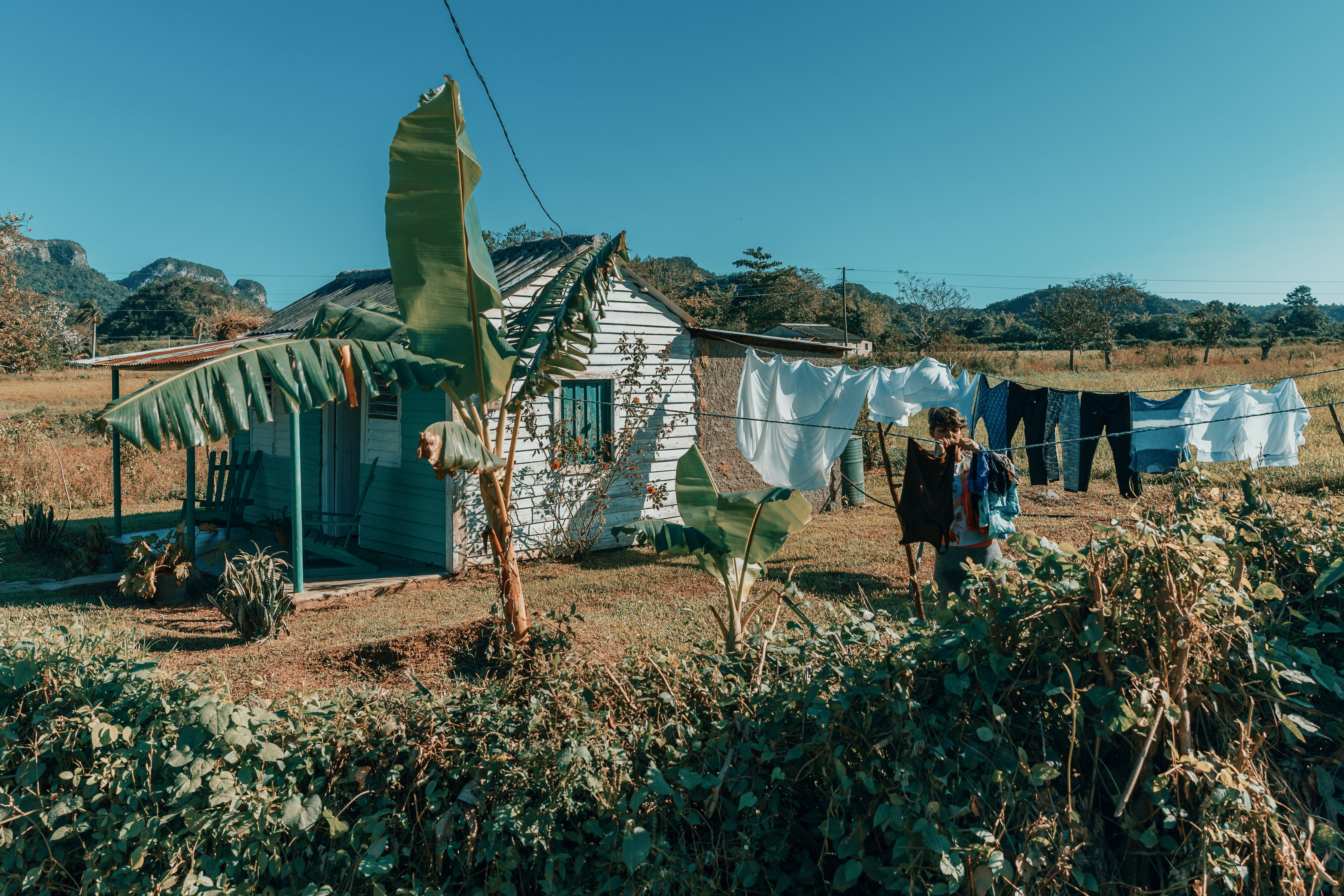 Free stock photo of clothes, cuba, drying, outside