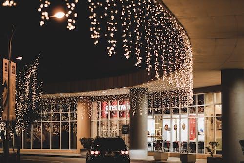 Foto profissional grátis de cordão de lâmpadas, decoração de Natal, luzes, luzes de Natal