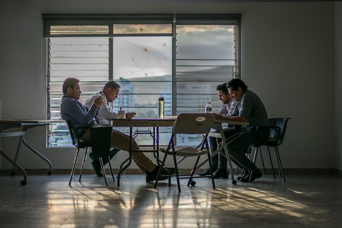 ablak, alkalmazottak, asztal
