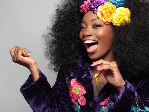 Ingyenes stockfotó afro, afro-amerikai nő, boldogság, divat témában