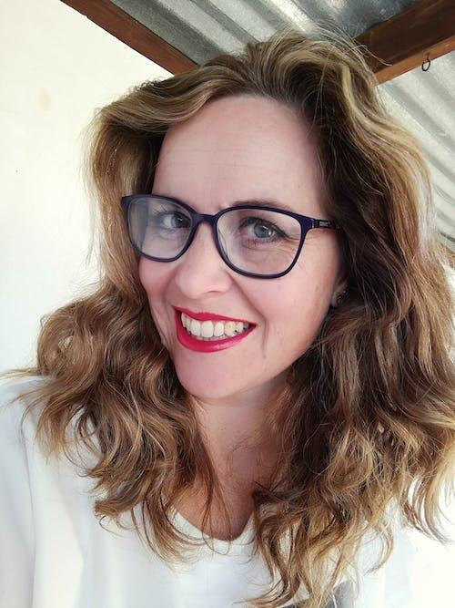 금발, 붉은 입술, 숙녀, 아름다운 여성의 무료 스톡 사진