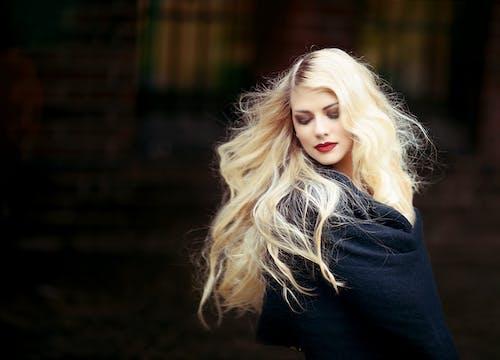 Gratis lagerfoto af attraktiv, blond, blondine, hår