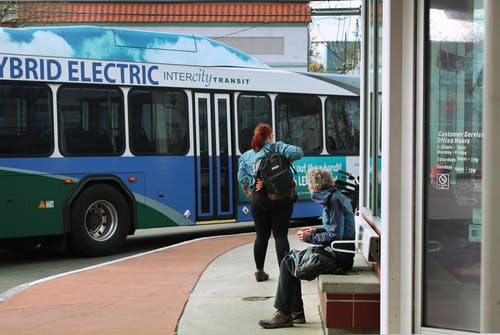Imagine de stoc gratuită din femeile albastre de autobuz