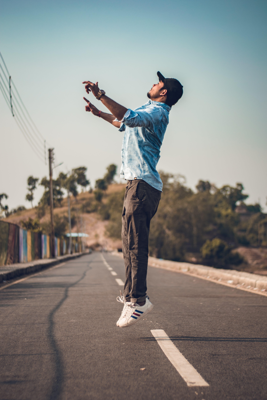 คลังภาพถ่ายฟรี ของ กระโดด, การกระโดด, คน, ถนน