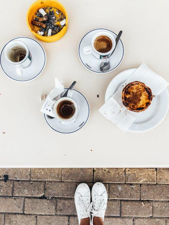 barvy, čajová lžička, čajové šálky
