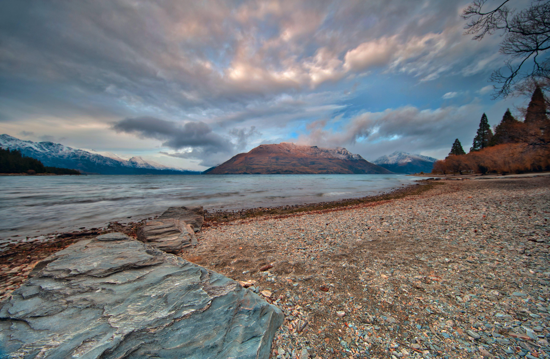 Kostnadsfri bild av berg, hav, havsområde, havsstrand