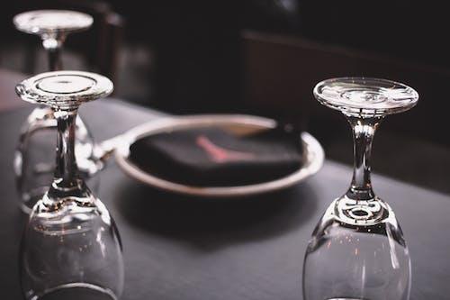 Ilmainen kuvapankkikuva tunnisteilla kattaus, kristalli, lasiesineet, lautanen