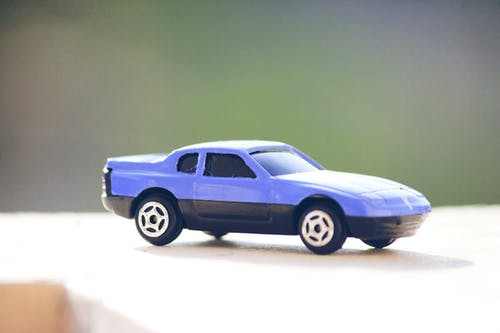 Бесплатное стоковое фото с автомобиль, голубой, игрушечная машина, игрушка