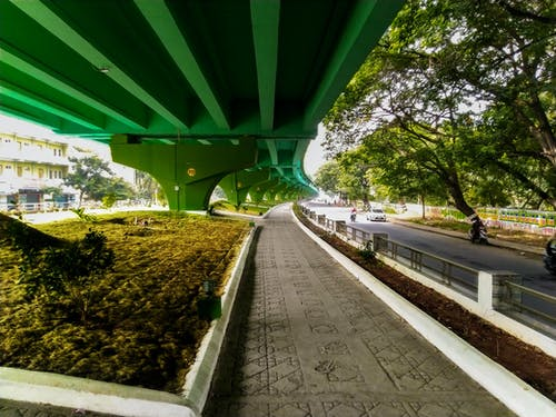 Gratis arkivbilde med asfaltert vei, bro av sukk, dragere, flyovers