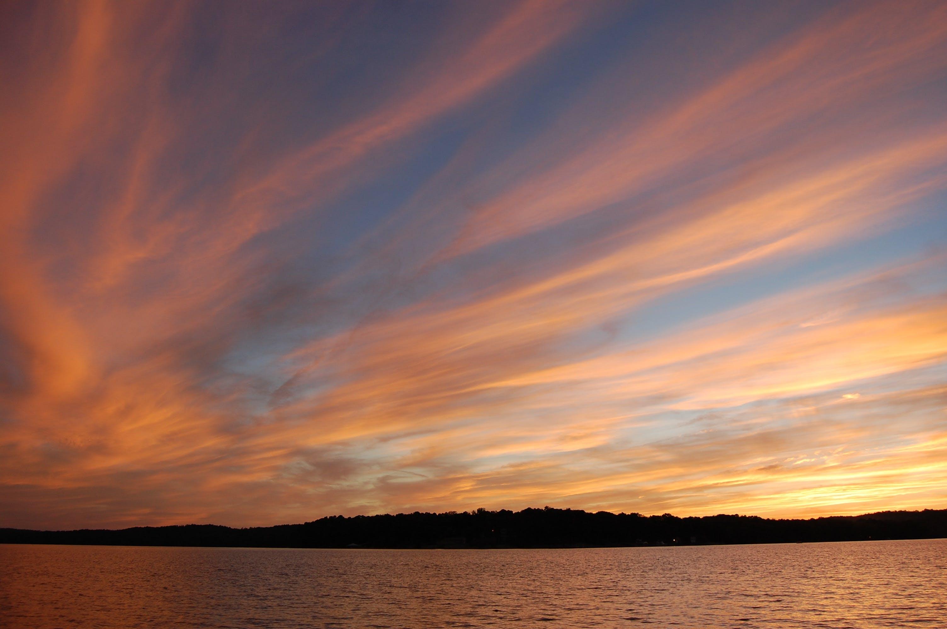 Безкоштовне стокове фото на тему «вода, гора, море, морський пейзаж»