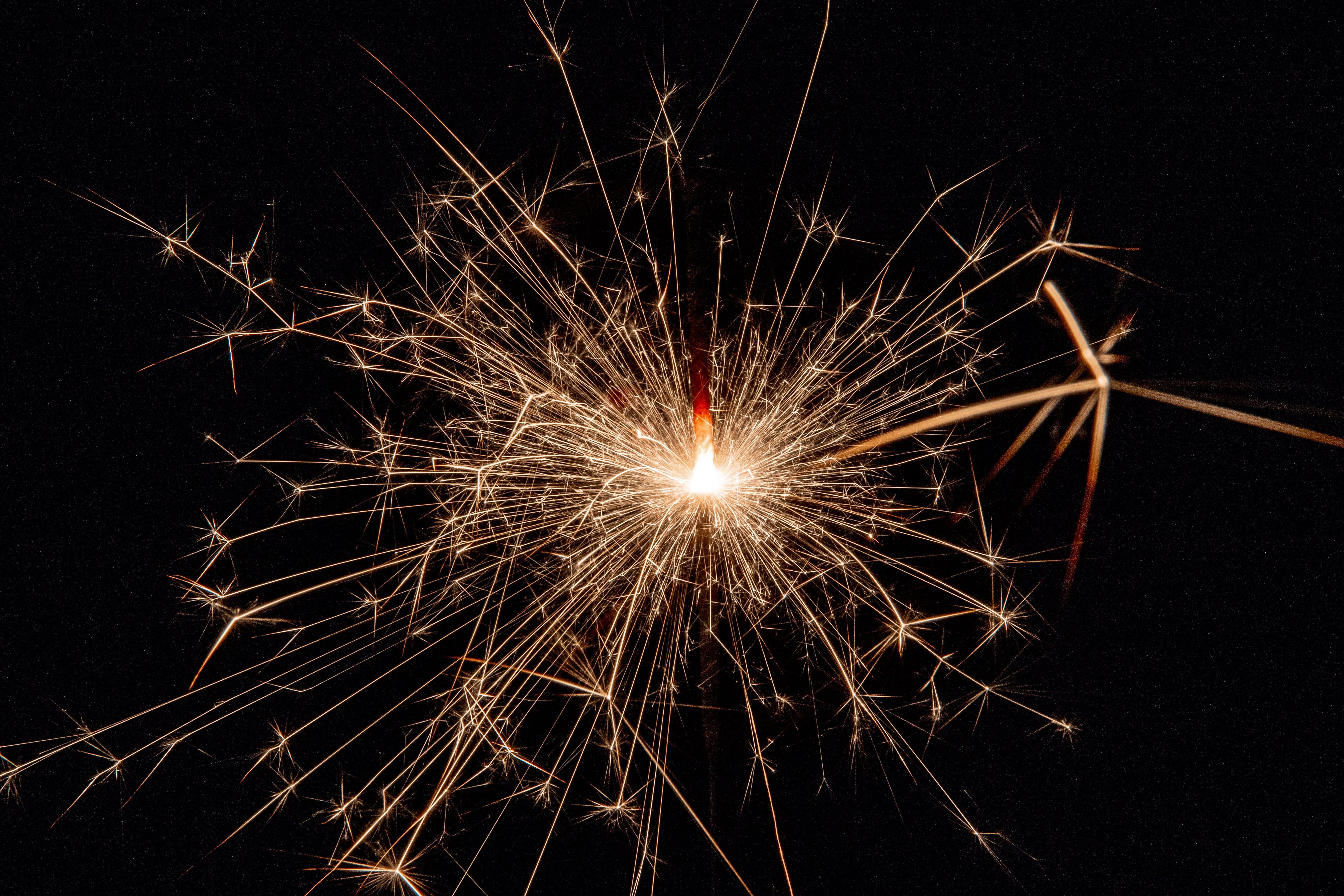 Immagine gratuita di capodanno, celebrazione, festa, fuochi d'artificio
