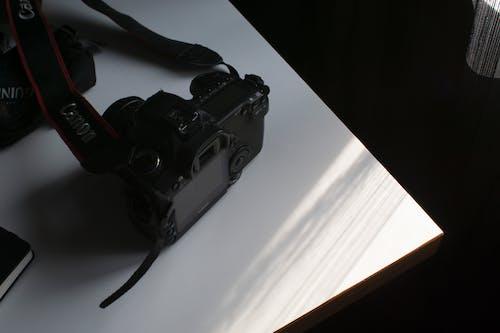 Δωρεάν στοκ φωτογραφιών με canon, dslr, εμπορικό σήμα, εξοπλισμός